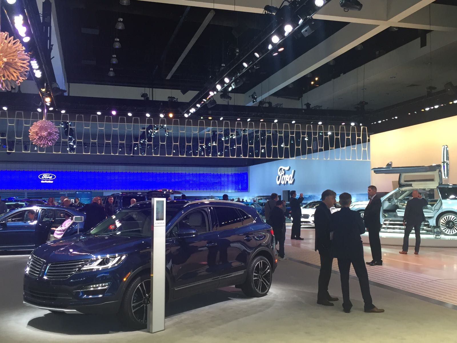 Ford debuted the new Ecosport SUV at the LA Auto Show. The new SUV targets environmentally conscious millennials and older baby-boomers looking for a small sized SUV.