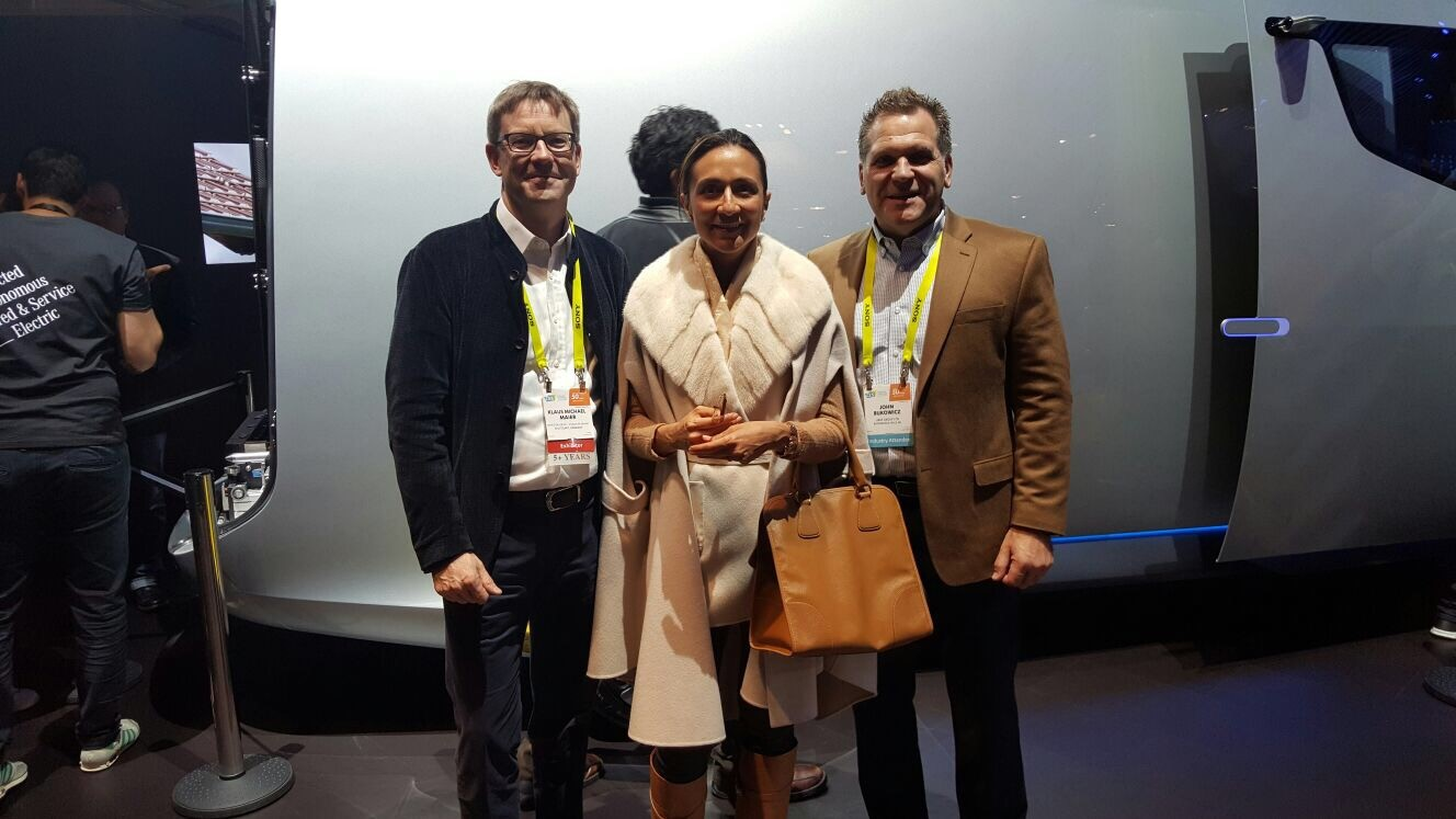 A Mercedes-Benz Global Executive (Left) ; LIASE Group Managing Partner Asia, Vanessa Moriel (center); and LIASE Group Managing Director Americas, John Bukowicz (right).