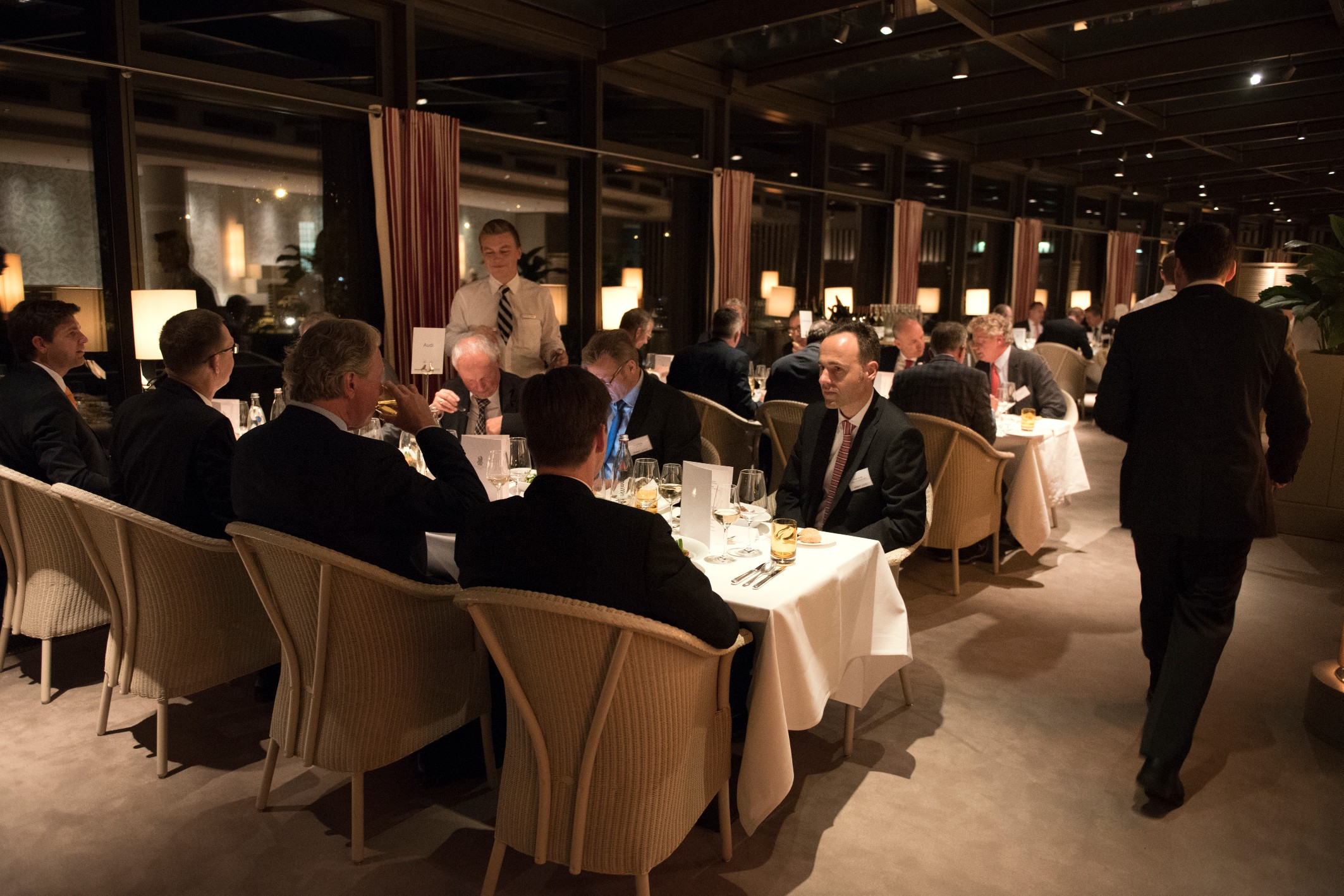 The dinner gathered more than 50 global automotive executives to talk abour future trends and opportunities in the industry.
