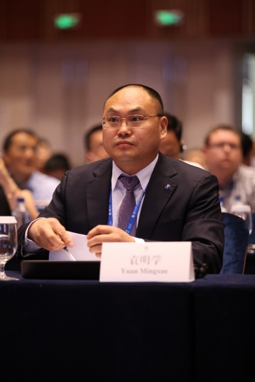 Mr. Yuan Xueming, the Vice President of Changan Automobile, indicated that Chinese auto makers must improve R&D abilities to grow the influence of their brands. Cultural factors also need to be understood. He pointed out that the Chinese auto companies need to cooperate together to enter the global market.