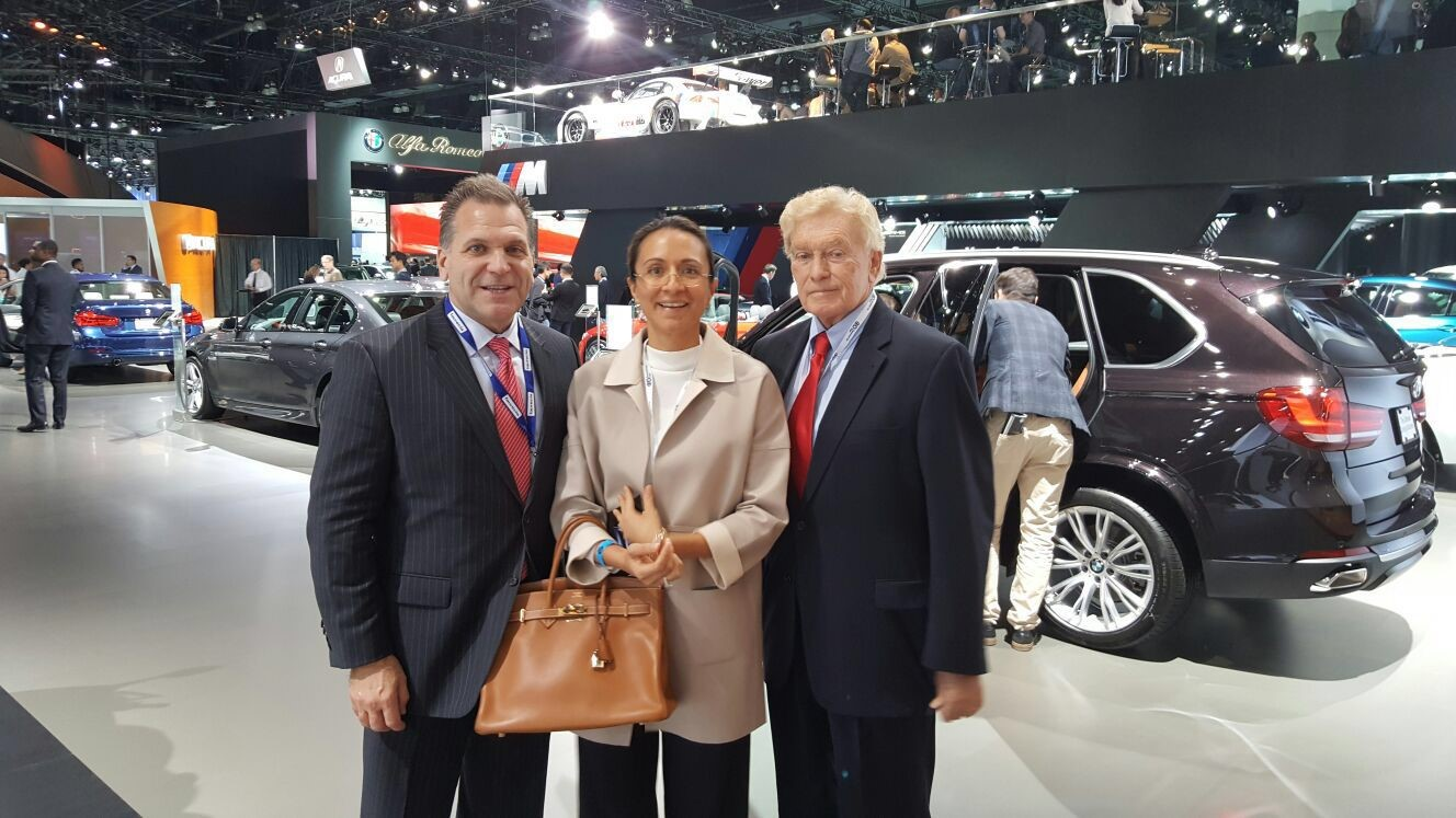 connected cars at the 2015 los angeles auto show. Black Bedroom Furniture Sets. Home Design Ideas