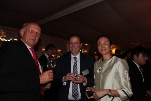 Left to right: Nedschroef Holding B.V., Vice President M&S, Bert Van der Weiden; LIASE Group, President, Wolfgang Doell; and, LIASE Group, Managing Director Asia, Vanessa Moriel.