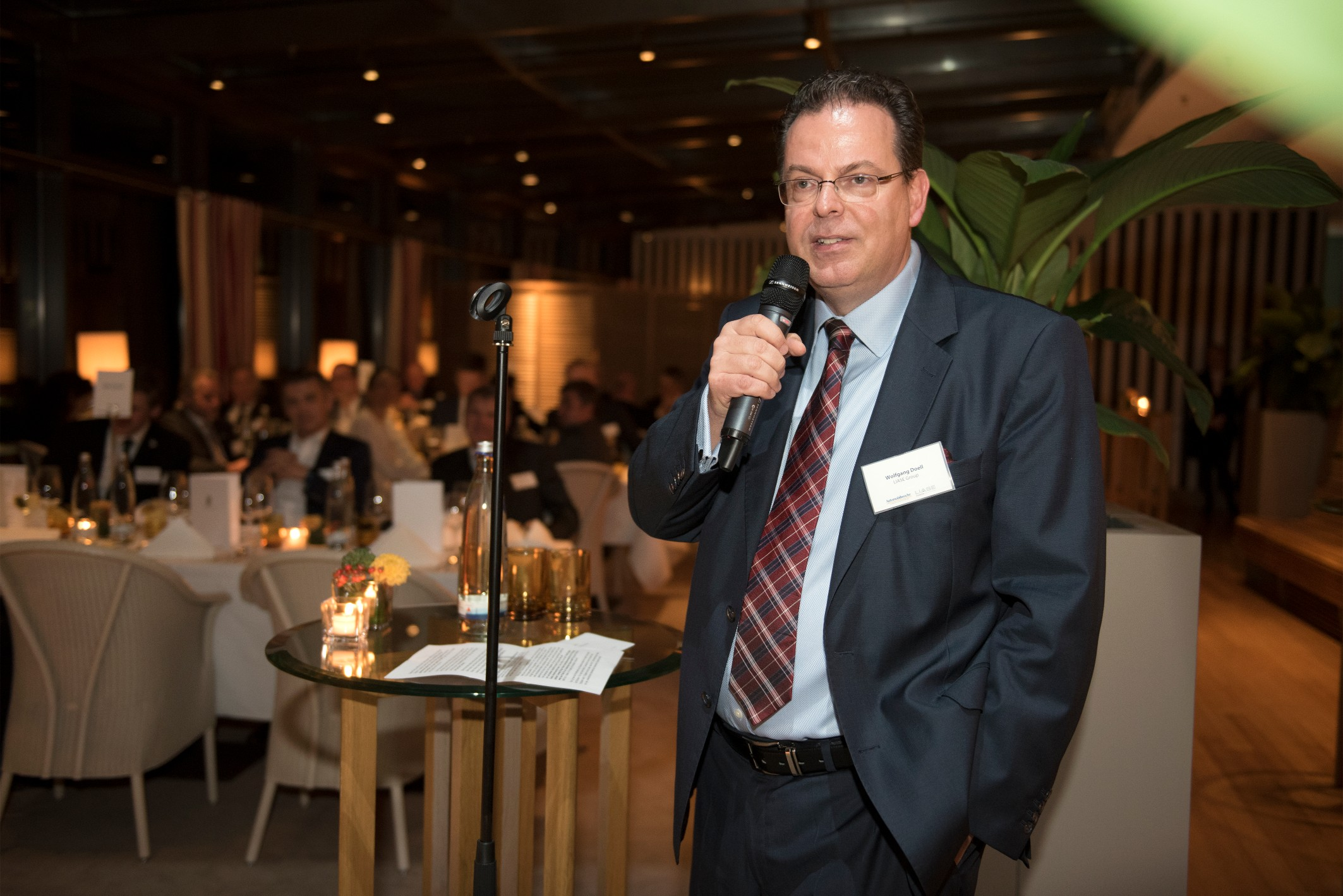 Wolfgang Doell, President and Managing Director Europe, LIASE Group, addressing the audience at the dinner.