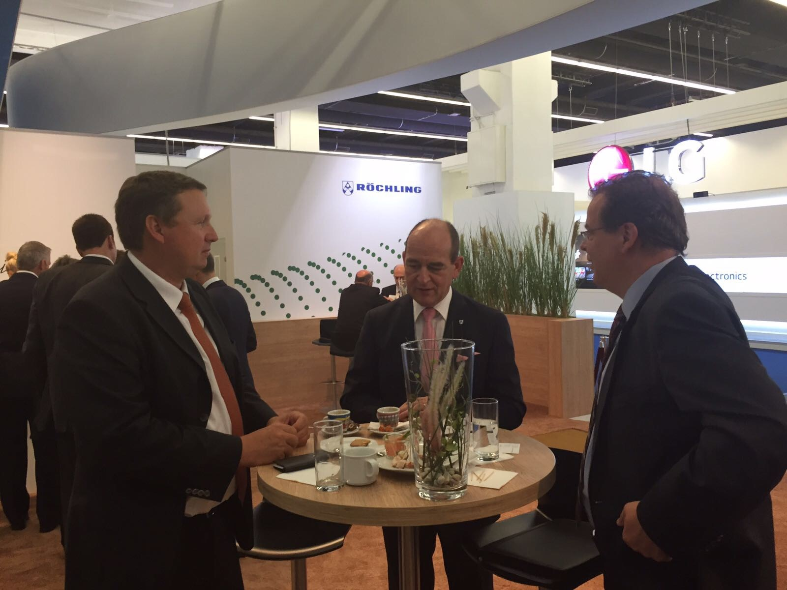Erwin Doll, CEO from Röchling and Wolfgang Doell, President and Managing Director Europe from LIASE Group.
